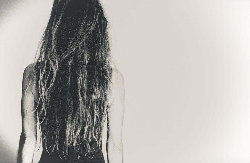 Gründe für Haarausfall bei Frauen über 50 – und was dir hier helfen kann